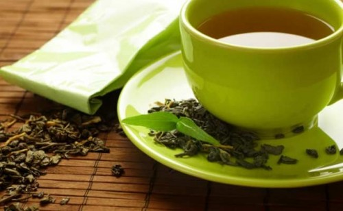 Green Tea Can Reduce Kidney Damage By Anti-Cancer Drug: AIIMS         NEW DELHI:  Researchers at AIIMS have found that a compound present in green tea is effective in reducing kidney toxicity and dama